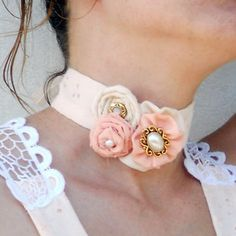 Victorian shabby chic accessory, jewelry peach elite and white ...
