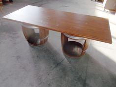 1921 - Tavolo da osteria con botti aperte per appoggio piedi realizzato da Briganti srl - Tel.0547 310171