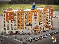 Turismo en Ciudad Juárez te dice que a  pesar de que el Museo del Valle no es ampliamente reconocido por las publicaciones oficiales de museos, su reconocimiento lo ha obtenido a nivel internacional. En Alemania, se le tiene catalogado como museo de sitio. Es el único que no cuesta a los contribuyentes por su funcionamiento, pues se ha sostenido con el sueldo que devengaba el director de la escuela primaria estatal y posteriormente, con su jubilación. www.turismoenchihuahua.com