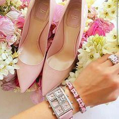 light pink *-*