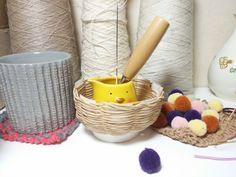 종이끈 바구니 / 초간단 바구니만들기 / 지끈공예 : 네이버 블로그 Diy Crafts Hacks, Toothbrush Holder, Art Projects, Hobbies, Owls, Craft, Mason Jars, Ornaments, Hampers