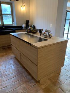 ïlot sur mesure chêne Ateliers POivre d'Ane contemporain granit Zimbabwe Home Decor, Kitchen, Decor, Kitchen Island