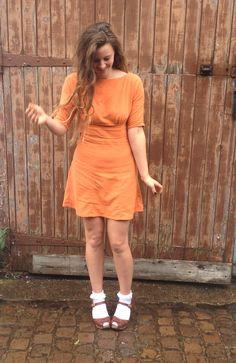 Molde de vestido (3 modelos estilo Anna): esse link mostra a fase final. Buscar a fase inicial. Post muito bem detalhado e explicativo!