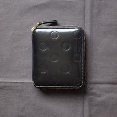 282c40378ea0 Wallet COMME des GARCONS - 二つ折りZIP財布(SA2100NE) #black エンボス,