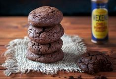 Mexican hot chocolate may be out of season, but these spicy Mexican hot chocolate cookies are right on time! Hot Chocolate Cookies, Mexican Hot Chocolate, Chocolate Cookie Recipes, Cocoa Cinnamon, Sweet And Spicy, Other Recipes, Cooking Time, Stuffed Peppers, Baking