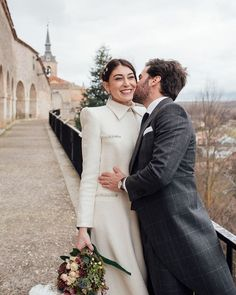 "Kiwo on Instagram: ""Cris y Chema 😍 #bodasdeinvierno #novioskiwo2019"" Winter Wedding Inspiration, Suit Jacket, Suits, Jackets, Instagram, Style, Fashion, Winter Weddings, Down Jackets"