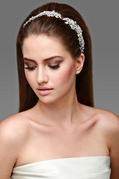 Casamento e Beleza Noiva - Penteado com Tiara (Beleza: Jr Mendes | Foto: Felipe Lessa)