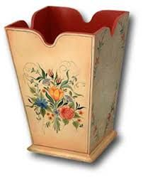 Bauernmalerei (pronounced bow-urn-maler-rye) is folk art associated with Germany, Austria and Switzerland. Farmer Painting, Tole Painting, Painting Edges, Fabric Painting, Painting On Wood, Folk Art Flowers, Flower Art, Painting Lessons, Painting Techniques