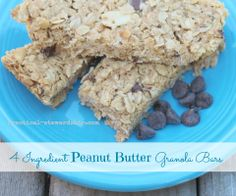 Peanut Butter chewy Granola Bar - only 4 ingredients! And better yet, way healthier & cleaner than store-bought. Not sure I'll ever be able to BUY a granola bar again! Easy Snacks, Yummy Snacks, Healthy Snacks, Snack Recipes, Yummy Food, Healthy Recepies, Bar Recipes, Eating Healthy, Healthy Eats