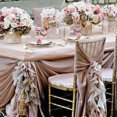 Cadeiras decoradas para casamentos