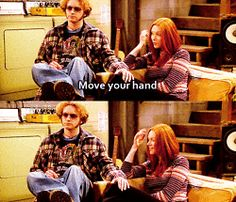 Gif funny sexy friends that show friends with benefits friend that show flirt donna donna pinciotti hyde laura prepon leg steven hyde move your 70 Show, That 70s Show, Funny Images, Best Funny Pictures, Funny Gifs, Hilarious, Bateau Rc, Donna Pinciotti, America Movie