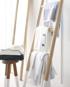 Portofino Bath Collection - Dye Dipped Stools - Teak Ladder - Bathroom Inspiration via Serena & Lily Luxury Duvet Covers, Luxury Bedding Sets, Modern Bedding, Pool House Bathroom, Master Bathroom, Coastal Bathroom Decor, Home Luxury, Diy Blanket Ladder, Design Logo