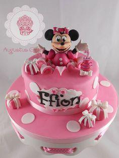 Torta di Minnie in versione regalo a sorpresa