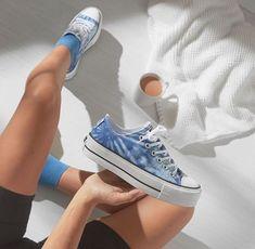 Baskets tie and dye : notre sélection des modèles les plus canons ! Baskets Converse, Tie And Dye, Short En Jean, Converse Sneakers, Vans Authentic, Chuck Taylor Sneakers, Chuck Taylors, Asos, Instagram