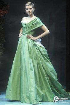 Image from object titled 'Christian Dior, Spring-Summer Couture' Christian Dior Designer, Christian Dior Couture, Christian Dior Vintage, Christian Dior Gowns, Timeless Fashion, Vintage Fashion, News Fashion, Runway Fashion, Ferrat