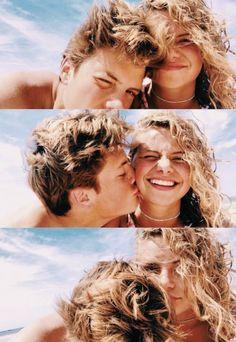 Cute couple selfies on the beach 💙 Cute Couples Photos, Cute Couple Pictures, Cute Couples Goals, Cute Photos, Couple Pics, Couples At The Beach, Cute Couple Selfies, Couple Beach, Beach Pictures