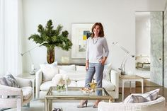 From fresh paint color ideas to kitchen design inspiration, learn how to decorate like Sarah Richardson with 40 of her best tips and tricks.