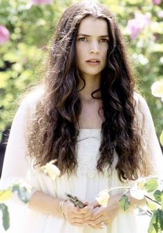 julia ormond looks amazing in this pic