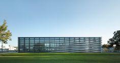 Fassade als Visitenkarte - Trumpf-Hauptsitz in Polen von Barkow Leibinger