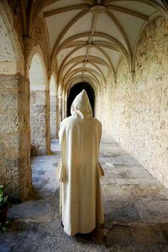 Benedictine Monks, Catholic Memes, Sword And Sorcery, Kirchen, Priest, Christianity, Daughter, Happy, St John Paul Ii