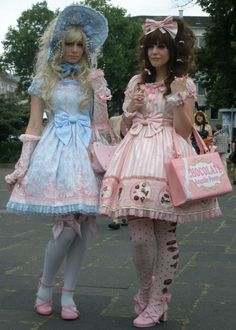 A collection of photos that I have saved over the years from being in Lolita Fashion. Please feel free to suggest sources as I have not maintained all names over. Harajuku Mode, Harajuku Fashion, Kawaii Fashion, Lolita Fashion, Cute Fashion, Girl Fashion, Pretty Outfits, Pretty Dresses, Cute Outfits
