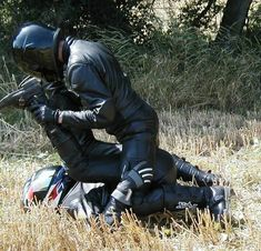Leather Jeans, Biker Leather, Leather Gloves, Motard Sexy, Biker Love, Motorbike Leathers, Motorcycle Men, Men In Uniform, Gay Couple