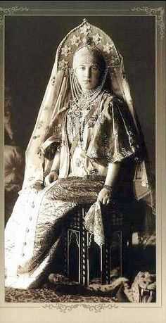 1903 costume ball in the Winter Palace, Saint Petersburg, Russia. Grand Duchess Maria Georgievna in a fancy dress of a peasant woman from the Russian city of Torzhok; the century fashion. Costume Russe, Tsar Nicolas Ii, Grand Duc, Royal Clothing, Winter Palace, Photo Portrait, Portrait Art, Imperial Russia, Russian Fashion