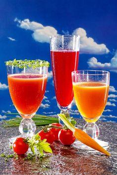 Rezepte für drei gesunde Detox-Drinks - sie helfen dem Körper zu entgiften. www.ihr-wellness-magazin.de