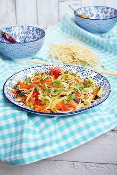 Moja smaczna kuchnia: Noodle z warzywami