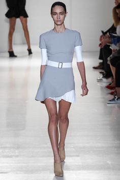 Victoria Beckham Spring 2014 RTW - Runway Photos - Fashion Week - Runway, Fashion Shows and Collections - Vogue- Loved it on Cameron Diaz Fashion Week, New York Fashion, Love Fashion, Runway Fashion, Fashion Models, High Fashion, Fashion Show, Fashion Design, Fashion Trends