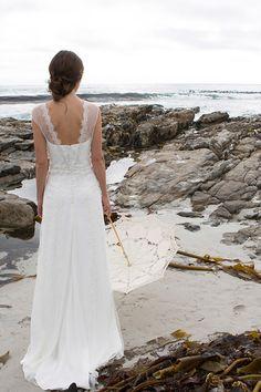 weddingdress rembo Wedding dress Maya by Rembo Styling on Ja. Unconventional Wedding Dress, Elegant Wedding Dress, Perfect Wedding Dress, Rembo Styling, Ball Dresses, Bridal Dresses, Hairstyle Bridesmaid, Wedding Bride, Wedding Gowns