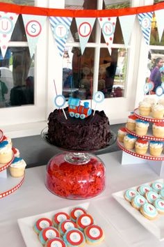 Thomas the Train Party (more photos and ideas at website)