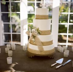 Burlap wedding cake, Photo Credit: A Bryan Photo via Snippet and Ink