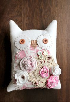 Shabby Chic Crafts - cute cute owl pillow