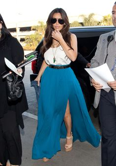 ♥️ Pinterest: DEBORAHPRAHA ♥️ Kim kardashian wearing blue maxi skirt #summer #looks #ideas