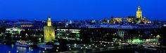 #Panorámica nocturna de #Sevilla: Una de las ciudades más bellas del mundo.