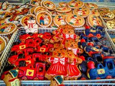 Lebkuchen (gingerbread) at the Nuremberg, Germany Christmas market (article)