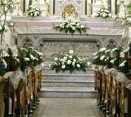 White church isle flowers  #white #wedding #flowers
