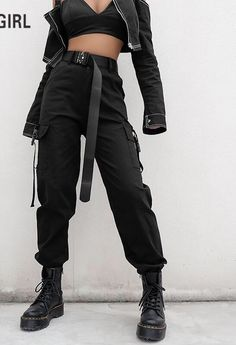 High Waist Loose Black Trousers Lose schwarze Hose mit hoher Taille – This image has get Edgy Outfits, Grunge Outfits, Cool Outfits, Fashion Outfits, Black Outfits, Fashion Trends, Emo Fashion, Fashion Fashion, Ladies Outfits
