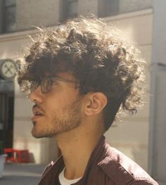 30 New Stylishly Masculine Curly Hairstyles For Men #curlyhairstyleslong