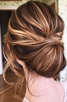 Trendy Updos for Medium Hair ★ See more: http://lovehairstyles.com/trendy-updos-for-medium-hair/