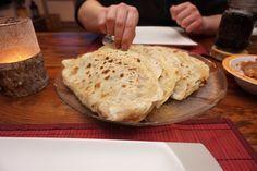 Entdecke mein Rezept für original türkische Goezleme | Teigtaschen aus der Pfanne | mit Hackfleisch auf meinem Foodblog aus Köln. Mit Fotos und Anleitung.