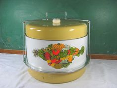 Vintage CAKE CARRIER & Double PIE Safe Gold Vegetables Kitchen Picnic Church Tin Holder by LavenderGardenCottag on Etsy Cake Carrier, Pie Safe, Cake Plates, Vintage Love, Yummy Cakes, Vintage Kitchen, Tin, Picnic, Old Things
