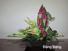 Beautiful Flower Arrangements, Floral Arrangements, Beautiful Flowers, Flower Chart, Art Floral, Flower Pictures, Ikebana, Fresh Flowers, Christmas Fun