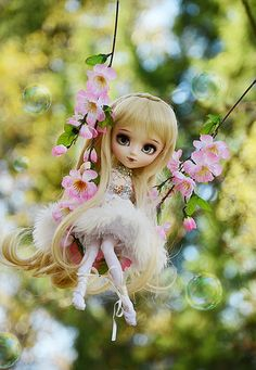 she's so darling on her swing Cute Girl Hd Wallpaper, Disney Wallpaper, Cute Wallpapers, Cute Baby Dolls, Cute Baby Girl, Beautiful Barbie Dolls, Pretty Dolls, Fairy Dolls, Blythe Dolls
