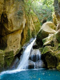Bassin Bleu waterfalls near Jacmel, Haiti (by rlfdpx). Jamaica, Barbados, Bahamas, Haiti, Bora Bora, Places To Travel, Places To See, Beach Vacation Spots, Dream Vacations