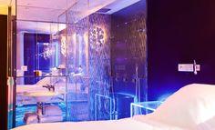 Levitation room Seven Hotel, Paris