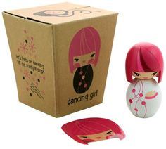 Momiji with its packaging