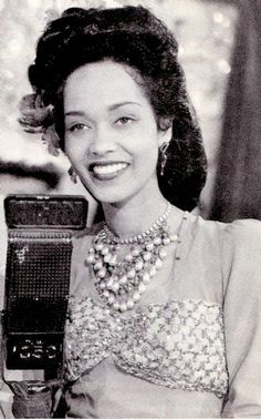 Francine Everett, African-American actress and singer best known for performances in race films, independently produced motion pictures with all-black casts created exclusively for distribution to cinemas that catered to African American audiences. Divas, Vintage Black Glamour, Vintage Beauty, Black Art, Make Up Inspiration, Black Actresses, Black Actors, Photo Vintage, Vintage Style