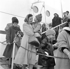 jewishvirtuallibrary Egyptian Jewish refugees arriving in Piraeus, Greece, on the SS Mecca (1957). During the first half of 1957, Greece was the first landing point for thousands of Jews expelled or fleeing from Egypt, who were cared for by JDC, the local Council of Jewish Communities and the Jewish Agency before immigrating to Israel. x  On this day in history, November 23, 1956, the Jewish community of Egypt was declared 'enemies of the state' and expelled with their property confiscated
